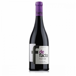 Червено вино Де Факто Пино Ноар / 0,750 л.